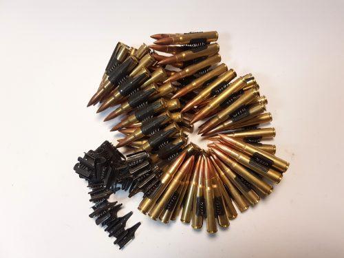 20 výstřelů z kulometu Bren 3037 nebo MG42